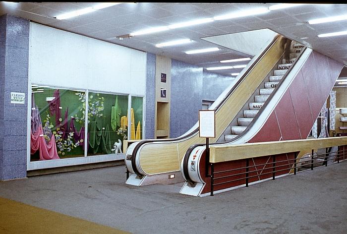 """Ruchome schody w """"Skarbku"""", zdjęcie pochodzi z prywatnej kolekcji Juranda Jareckiego"""