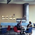 Klienci kawiarni w Zenicie, zdjęcie z prywatnych zbiorów Juranda Jareckiego