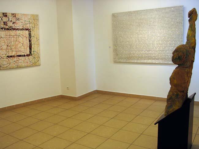 """""""Gruppa"""" fragm. z otwarcia wystawy. Fot. Dzięki uprzejmości galerii"""