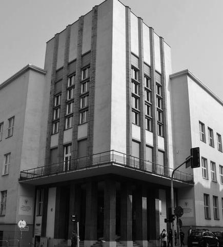 Dom Oświatowy w Katowicach jako jeden z najbardziej charakterystycznych obiektów na szlaku katowickiej moderny