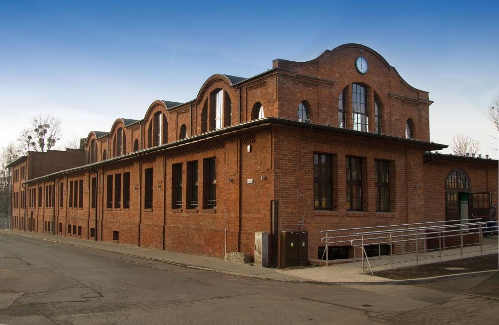 rozbark budynek_teatru