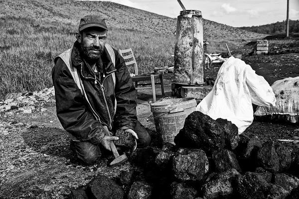 """Nagrodę publiczności w 2014 r. otrzymał fotoreportaż """"Życie na hołdzie"""", Autor: Jyjo."""