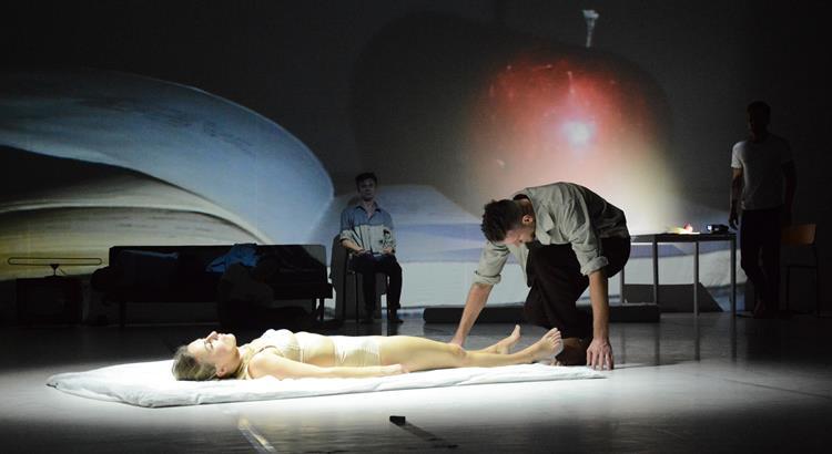 """Teatr Rozbark """"Mommy Issues """" reż. Cecillia Moisio, fot. Artur Turek"""