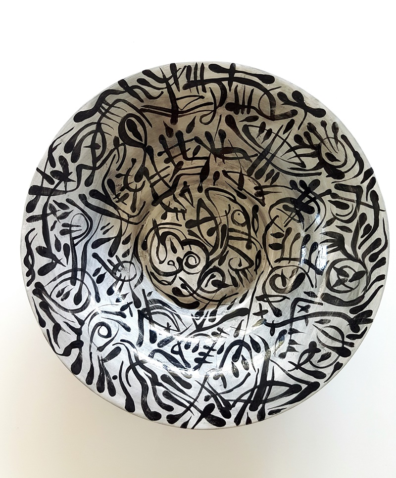 rafale-michal-szaton-abstrakt-bialo-czarny-ceramika-misa-43-cm-2010