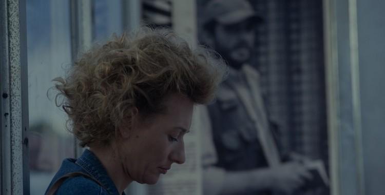 """Ten film jest nasycony krzykiem. Recenzja filmu """"53 wojny"""" Ewy Bukowskiej"""